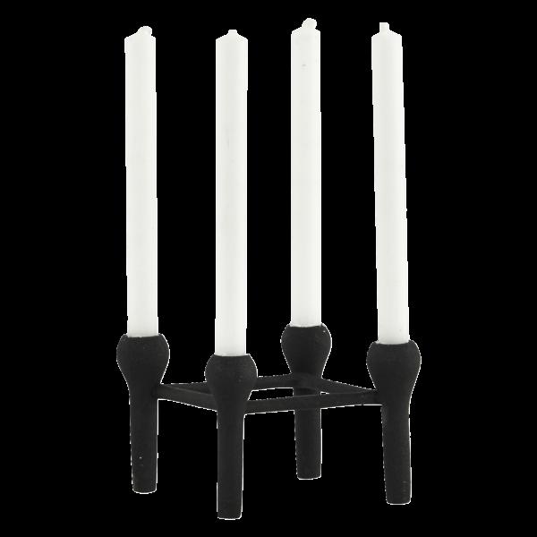 Modernes Wohnambiente mit dem Kerzenständer von House Doctor