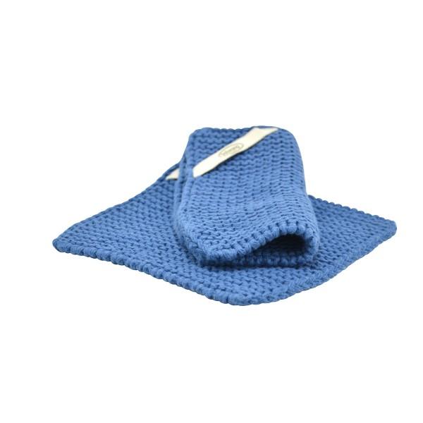 Staubigblaue Topflappen aus gestrickter Baumwolle