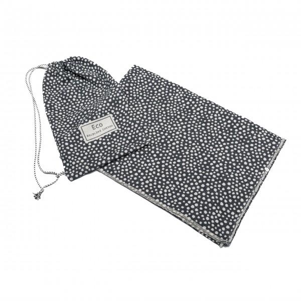 Eine Decke mit dem passenden Beutel: Die kuschlige Flanelldecke von Fussenegger